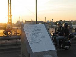 Werbung auf der Modersohn-Brücke