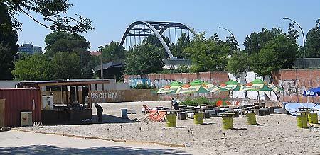 Strandbar an der Modersohnbrücke