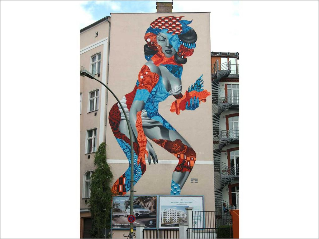 Mural Attack of the 50 Foot Socialite von Tristan Eaton