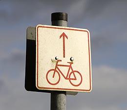 Schild: Vorfahrt fürs Fahrrad