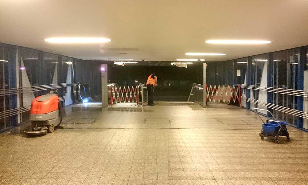 U-Bahnhof Möckernbrücke, 3 Rolltreppen, 2 außer Betrieb